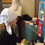 На проходящую 28 апреля выставку приходят все новые и новые посетители