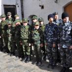 Затем пересветовцы и воспитанники разных православных военно-патриотических клубов России и Белоруссии построились для участия в чине освящения